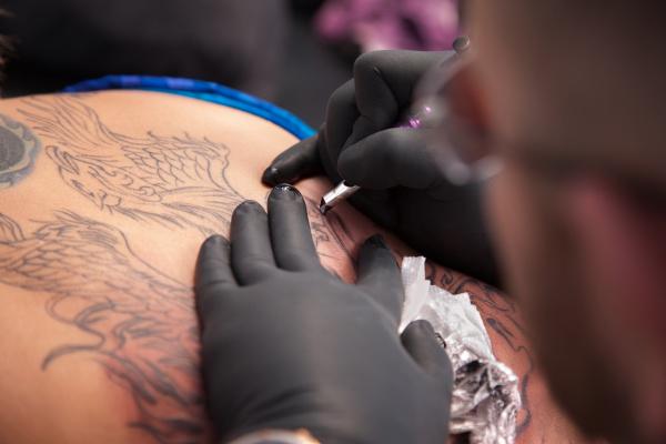 tattooist unentschieden gliederung