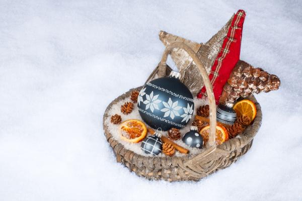 christmas basket on snow i