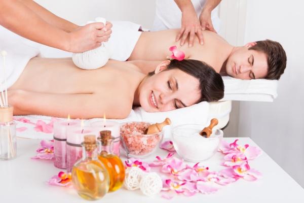mann und frau die massage