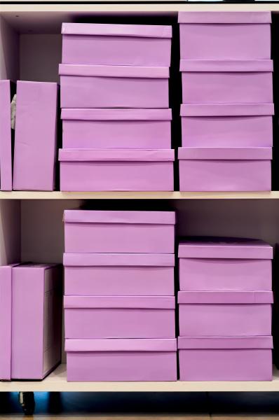 rosa schuhkartons