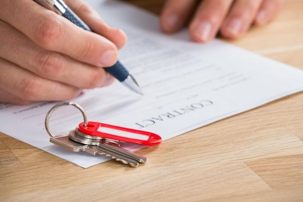 kaufmann unterzeichnung vertrag mit tasten on