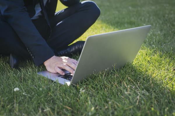 laptop notebook computer entspannung entspannt blick