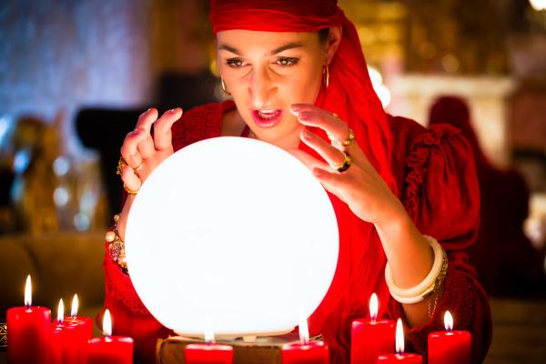 fortuneteller bei seance oder session mit