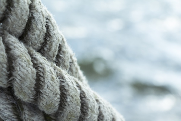 shipping with tight ropes in front