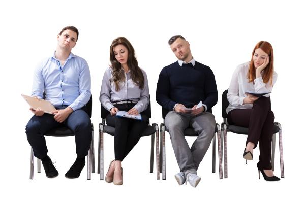 gebohrte geschaeftsleute die auf job interview