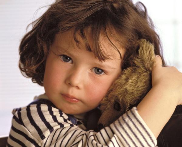 portrait maedchen mit braunen haaren 4