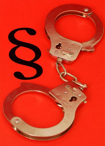 symbolbild rechtsbrecher gesetzeskonflikt