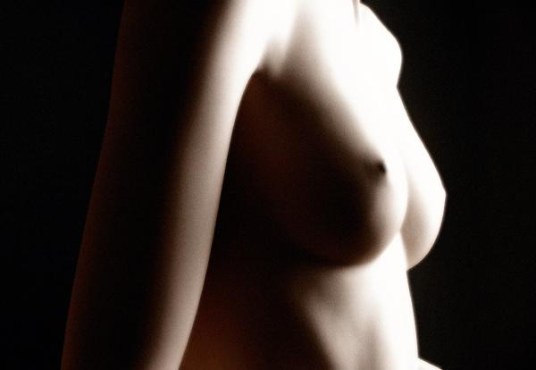 weibliche buste nackter oberkorper einer
