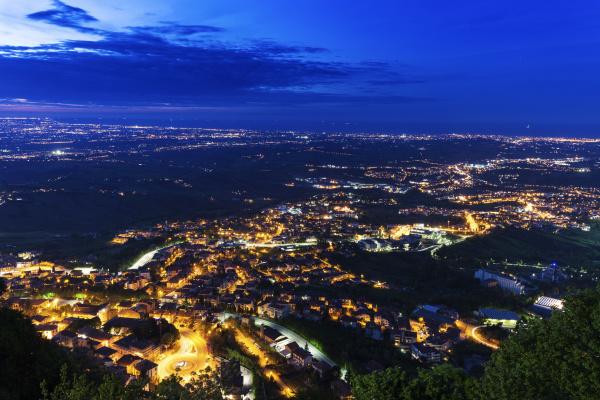 stadtbild in der nacht