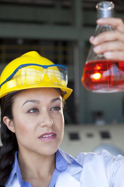 fluessig industrie industriell wissenschaft portrait portraet