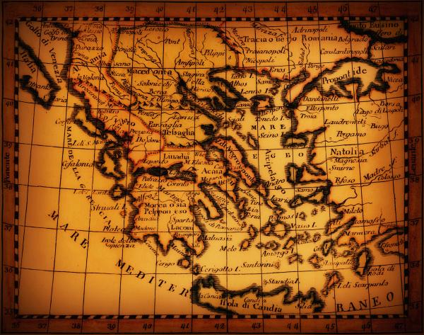 studioaufnahme von antiker karte mit mediterranem