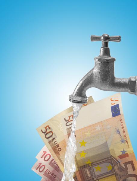 wasserhahn und euroscheine symbol fur geldwasche