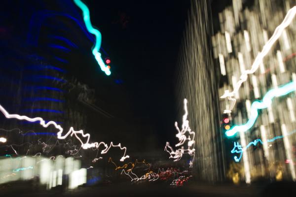 nachtliche autofahrt durch berlin mitte