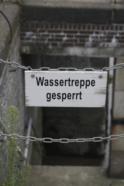gesperrte wassertreppe speicherstadt hamburg