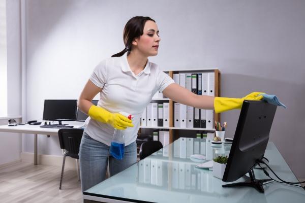 hausmeister reinigungs computer mit lappen