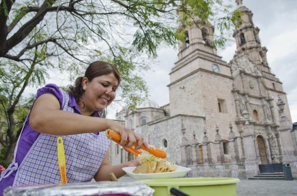 mexiko aguascalientes staat aguascalientes strassenseite lebensmittelverkaeufer