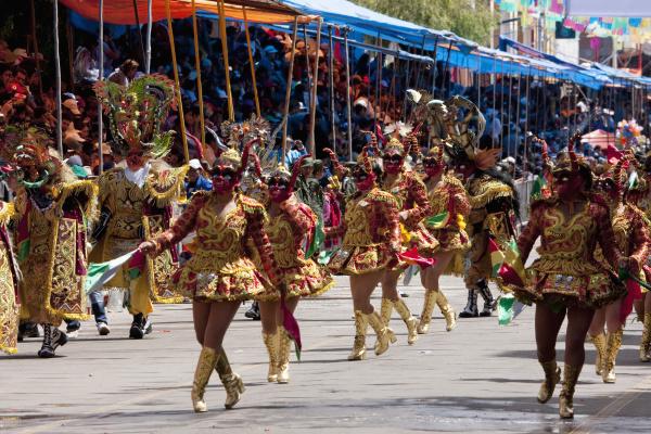 diablada dancers wearing elaborate devil masken