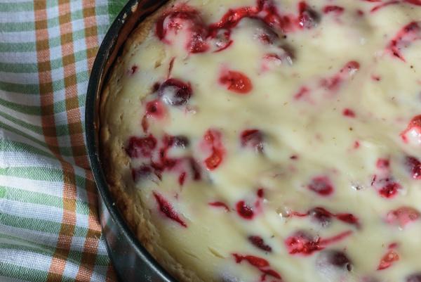 suesses gebaeck kuchen erdbeere putzig tortenstueck