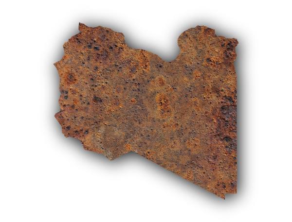 karte von libyen auf rostigem metall