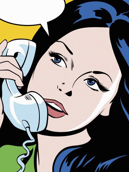 frau spricht auf kabelgebundenen telefon
