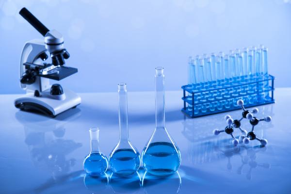 entwicklung wissenschaftliche glaswaren fuer chemische experimente