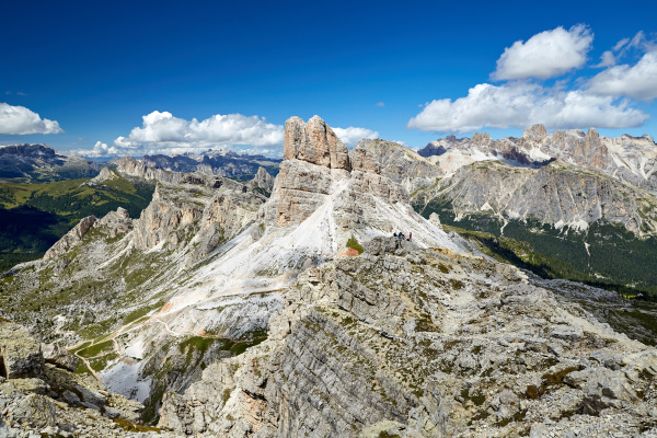 giau pass berge bei tageslicht