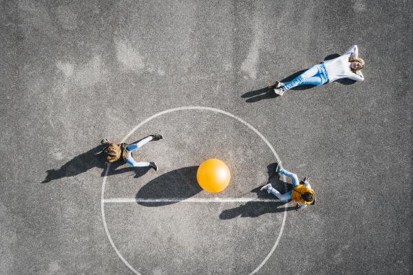 OEsterreich aerial blick auf das basketballfeld