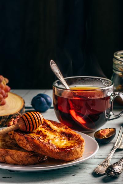 franzoesische toasts mit honig obst und