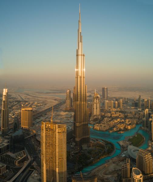 luftaufnahme des hellen burj khalifa tower