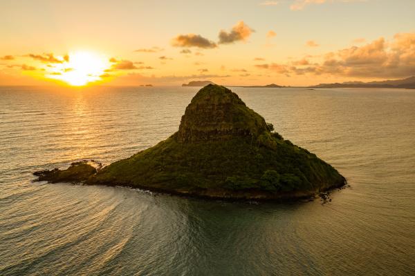 luftaufnahme von mokolii island chinaman es