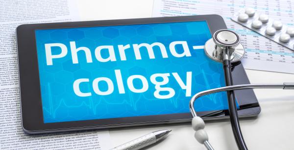 das wort pharmakologie auf dem display