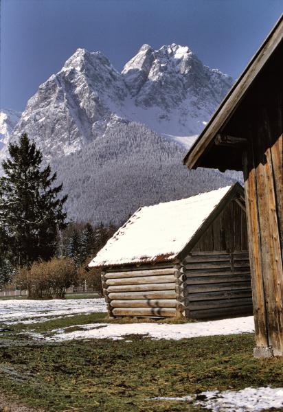 deutschland bayern zugspitze ein leichter schnee