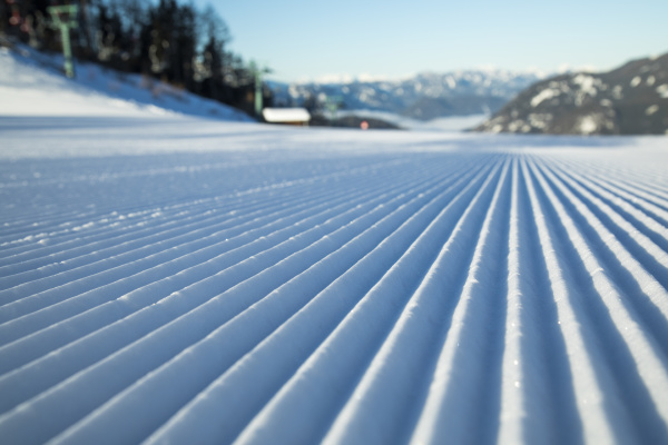 winterblick in den bergen skigebiet