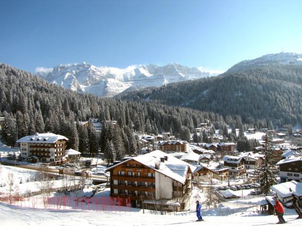 skifahren, in, madonna, di, campiglio - 27969813