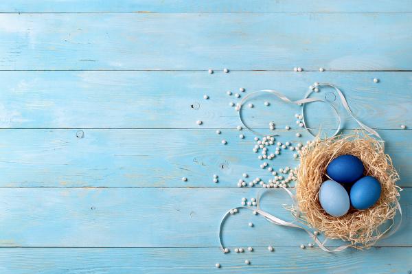 blaue ombre eier als ostern 2020