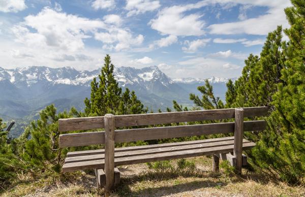 alpenpanorama mit sitz garmisch partenkirchen bayern
