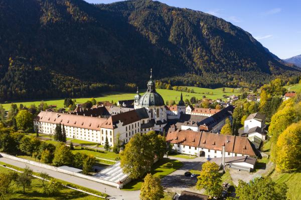 benediktinerabtei kloster ettal luftaufnahme oberbayern bayern