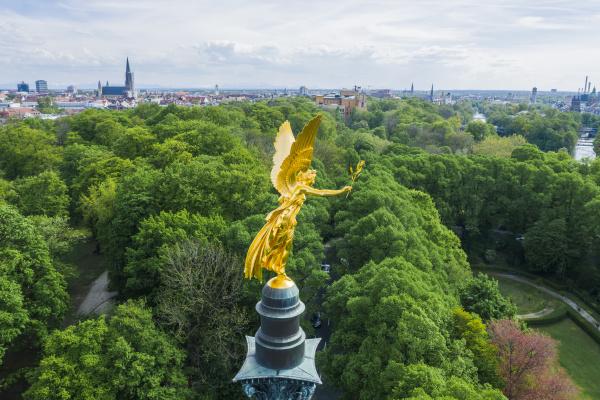 deutschland bayern muenchen luftaufnahme des goldfarbenen