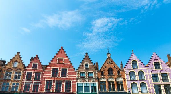 alte gebaeudefassaden europaeische provinzstadt