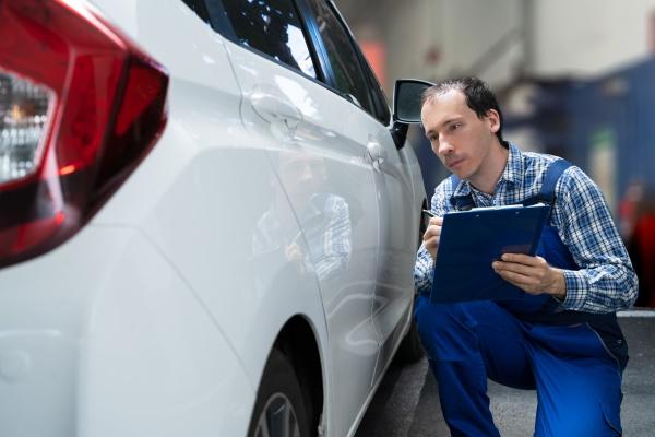 versicherungsagent inspektion autofarbe