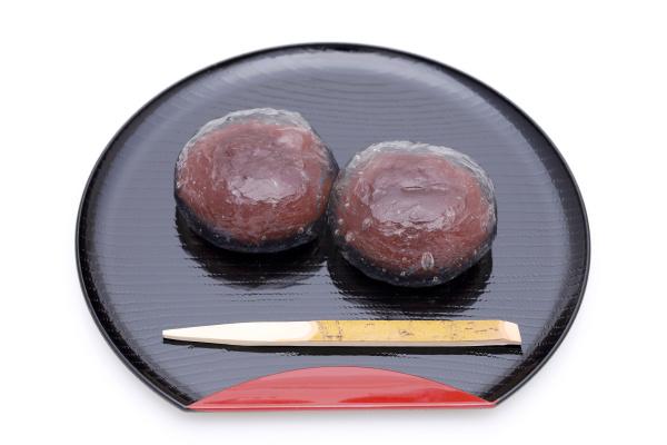japanische traditionelle suesswaren kuzu mochi suessigkeiten