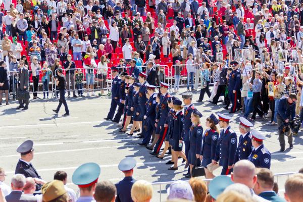 prozession des volkes im unsterblichen regiment
