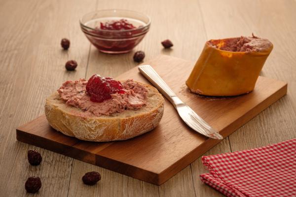 broetchen mit leberwurst und marmelade