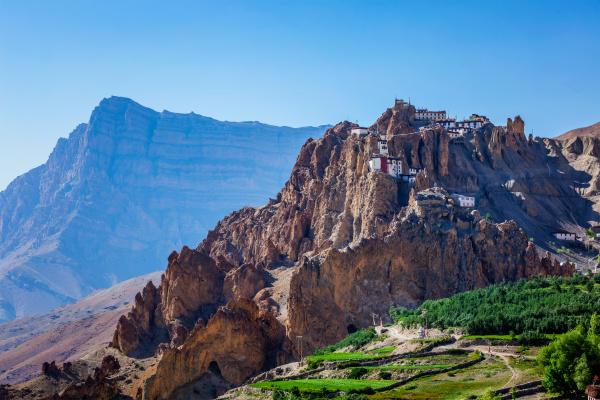 dhankar gompa kloster auf klippe im