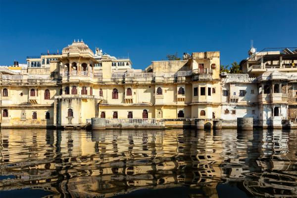city palace am lake pichola udaipur