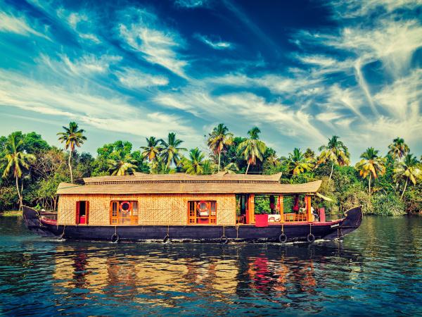 hausboot auf kerala backwaters indien
