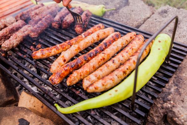 fleisch grillen grillen grillparty campingessen outdoor