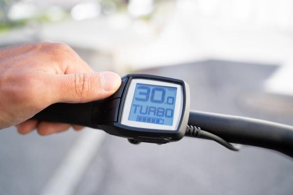 e bike computer geschwindigkeit und leistungsregelung