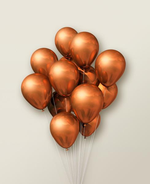 kupfer luftballons gruppe auf beigefarbenem hintergrund
