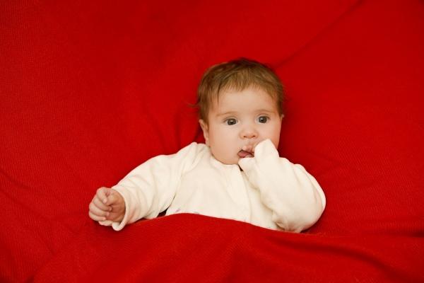 junges babyportraet